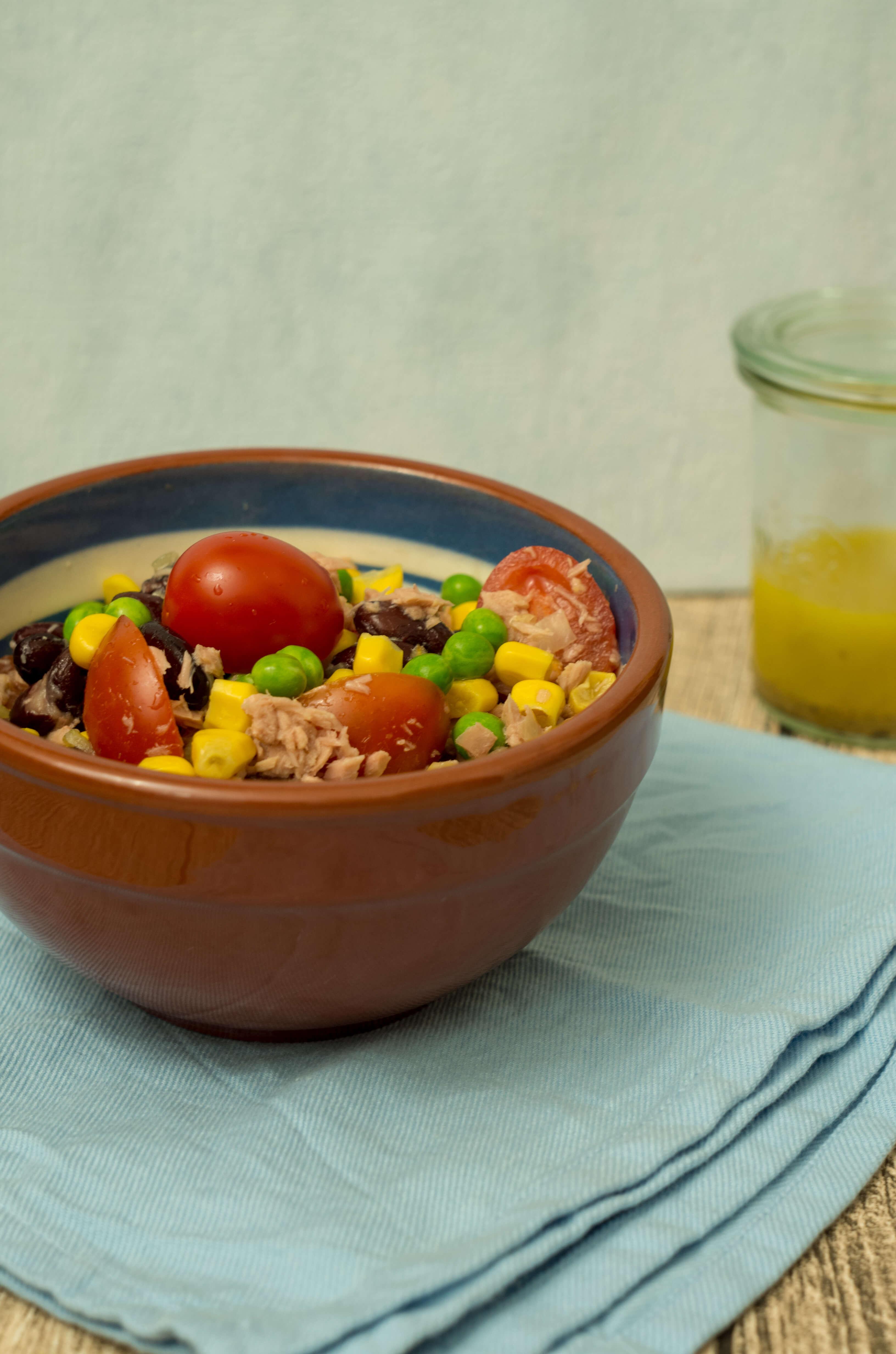 Ein leckerer Thunfischsalat als Mittagessen, Abendessen oder Beilage geeignet. #laktosefrei #glutenarm   chilibluetendotcom