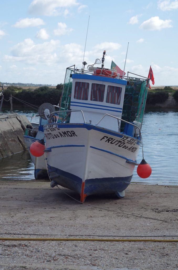 Portugiesisches Fischerboot | chilibluetendotcom