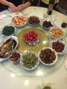Chinesisches Essen für 6 Erwachsene von Ottos Oma gekocht.