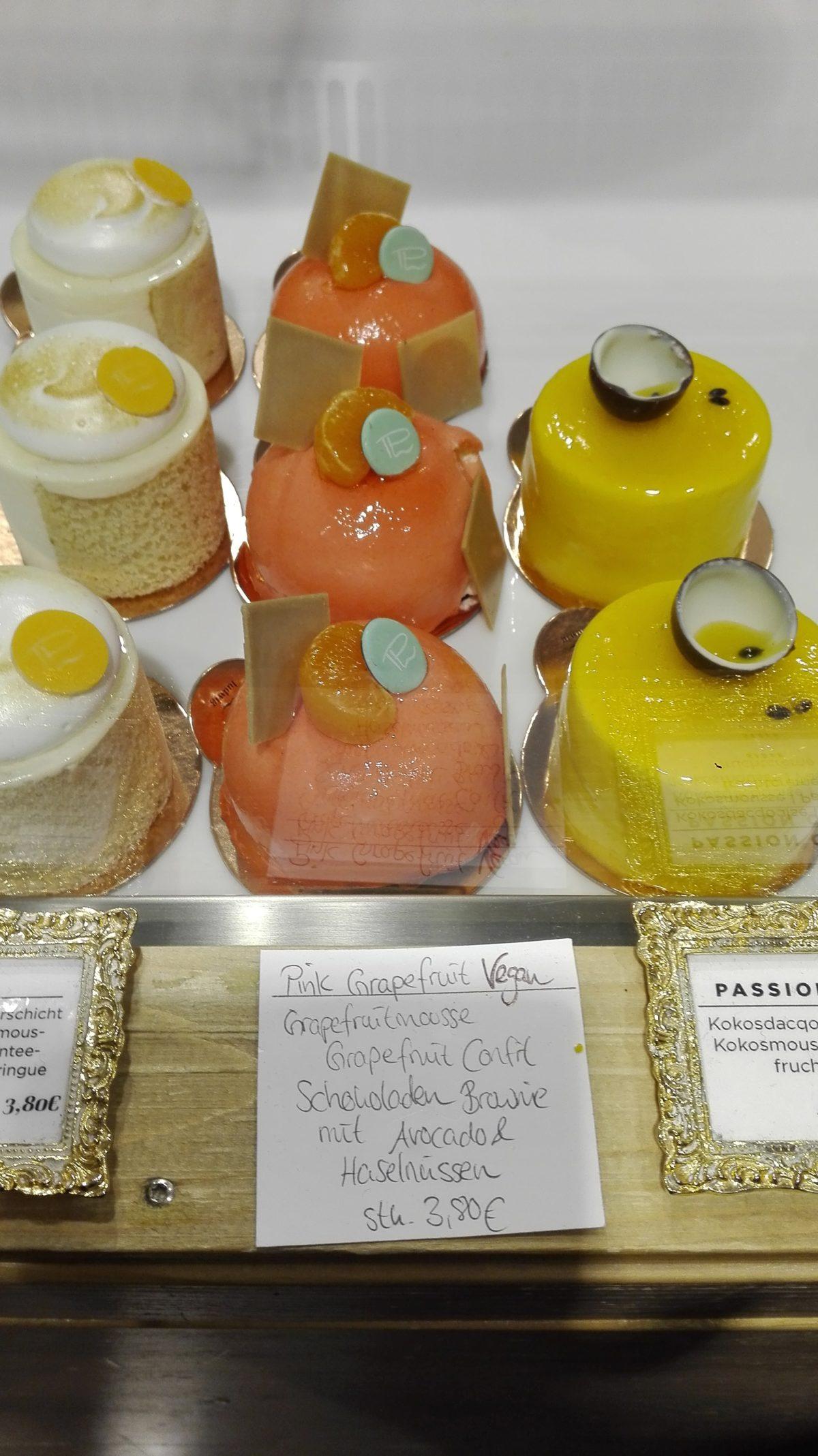 Törtchen der Patisserie Ludwig #Karlsruhe #Cafe| chilibluetendotcom