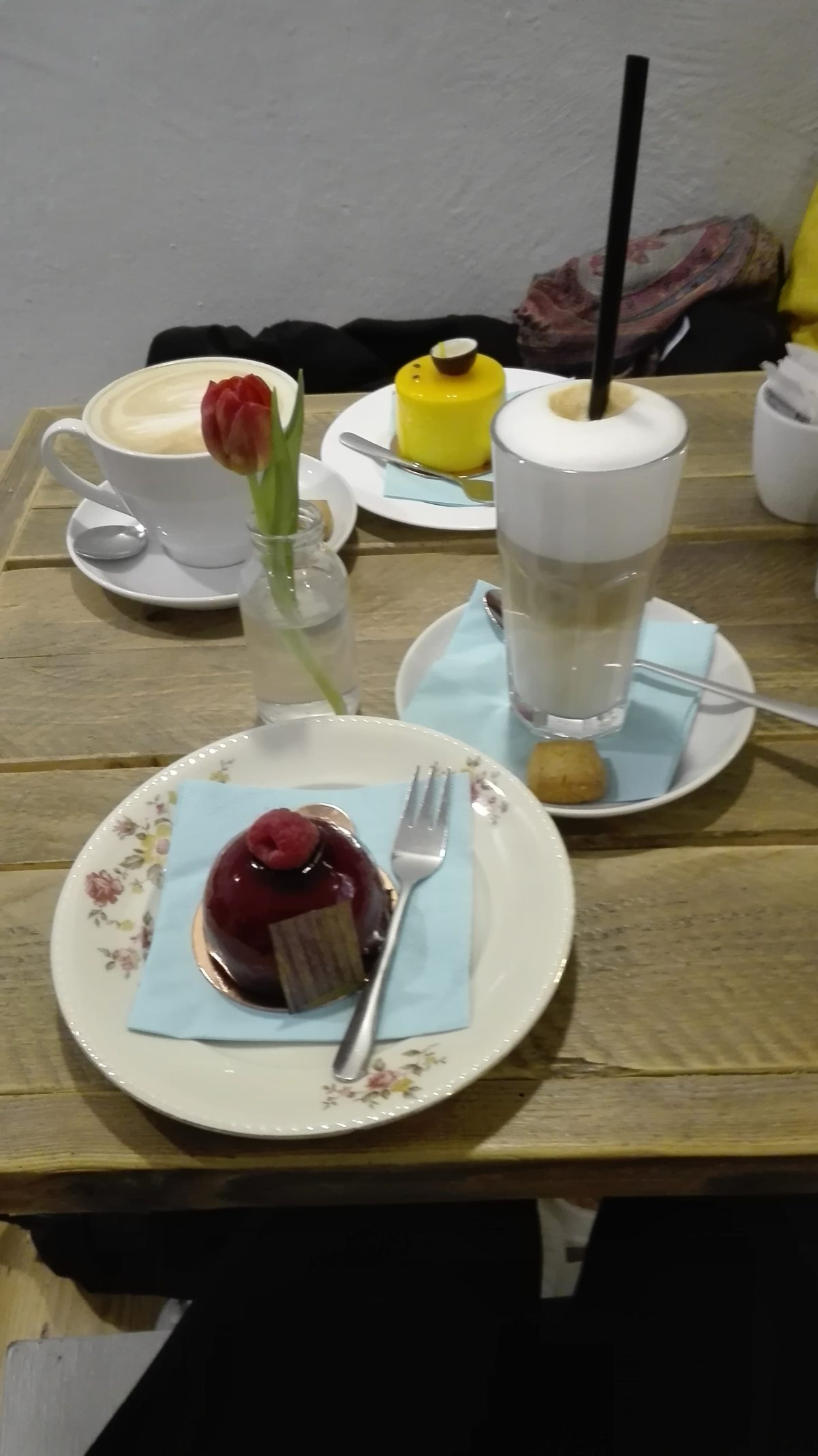 Törtchen der Patisserie Ludwig #Karlsruhe #Cafe  chilibluetendotcom